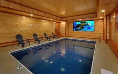 Paradise Point Pool Lodge